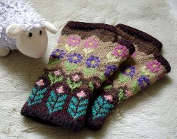 Estonian Inspired Mitts