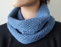 Slipped Honeycomb Stitch Cowl