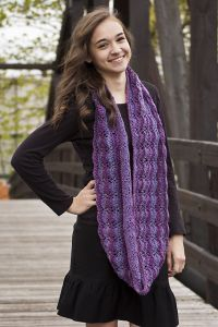 Lacy Scallops Cowl