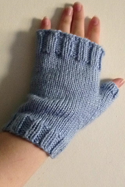 Basic Gloves Knitting Pattern : Knitting Patterns Galore - Basic Fingerless Mitts