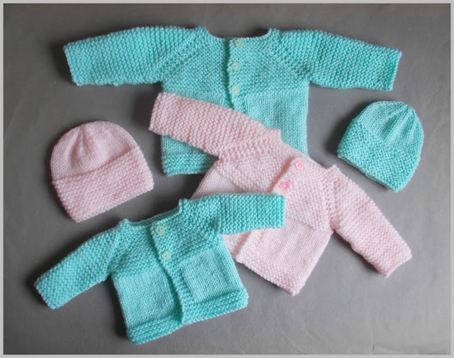 Knit Slipper Socks Pattern : Knitting Patterns Galore - Little Babbity - Preemie Baby Sets