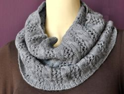 Cables 'n Lace Cowl