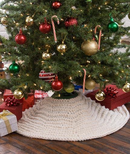 Christmas Tree Skirt Knitting Pattern : Knitting patterns galore winter wonderland tree skirt