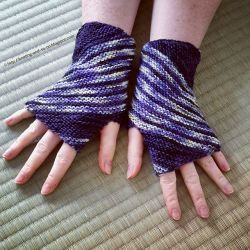 Inclination Wrist Warmers