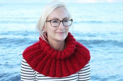 Knitted Ribbed Cowl