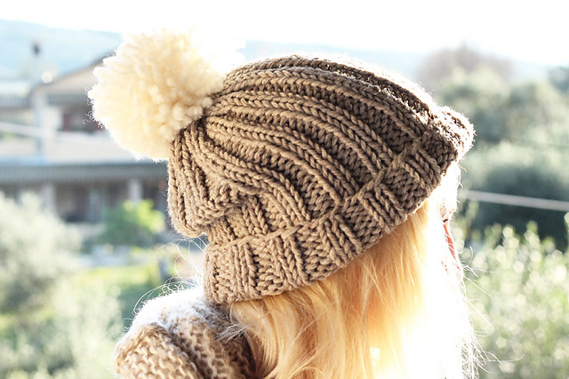 Knitting Patterns Galore - Chunky Beanie Bobble Hat