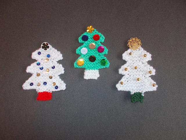 Little Christmas Tree Decorations Free Knitting Pattern