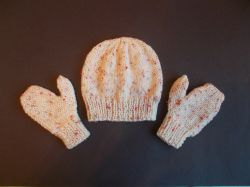 Skye Child Hat and Mittens Set