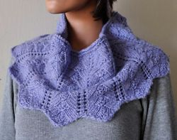 Pyramid Lace Cowl