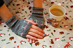 Mother's Tulip Mittens