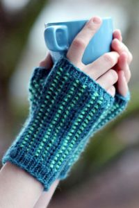 Mossy Path Mitts