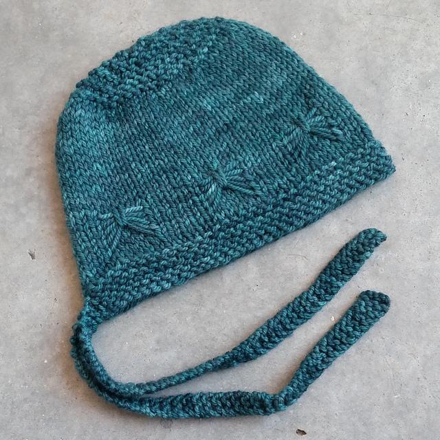 Knit Bonnet Pattern : Knitting Patterns Galore - Cute as a Bug Baby Bonnet