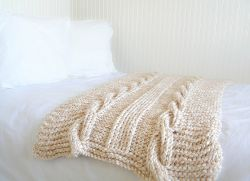 Endless Cables Chunky Throw