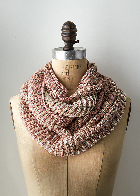 Free Cotton Knitting Patterns : Knitting Patterns Galore - Two-Color Cotton Cowl