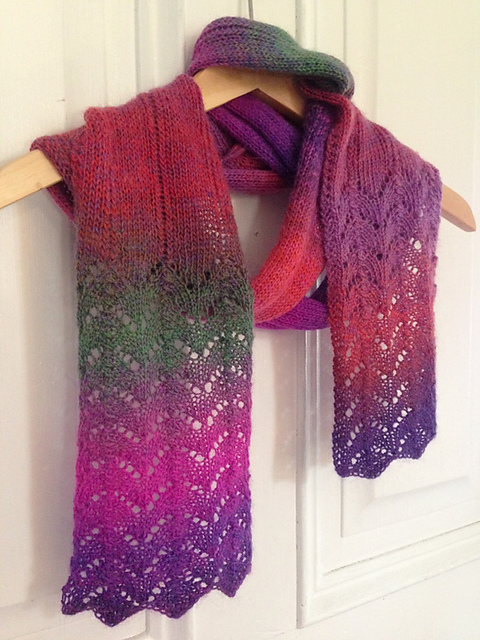 Free Lace Scarf Knitting Pattern : Knitting Patterns Galore - Deco Scarf