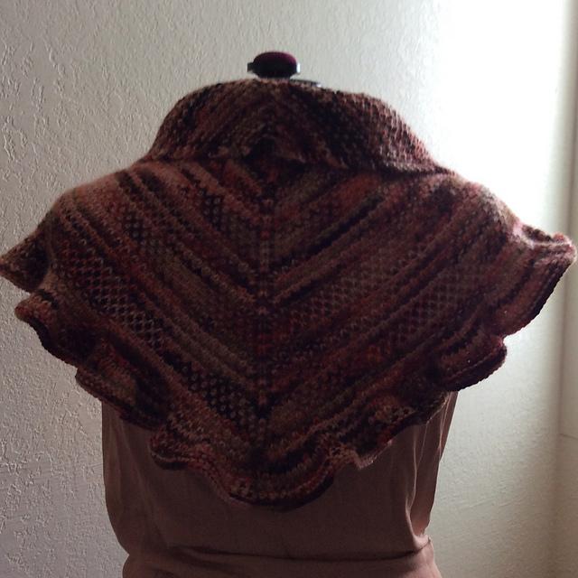 Knitting Patterns Galore - Scrumptious Shawlette