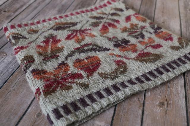 Knitting Patterns Galore - Falling Leaves Cowl