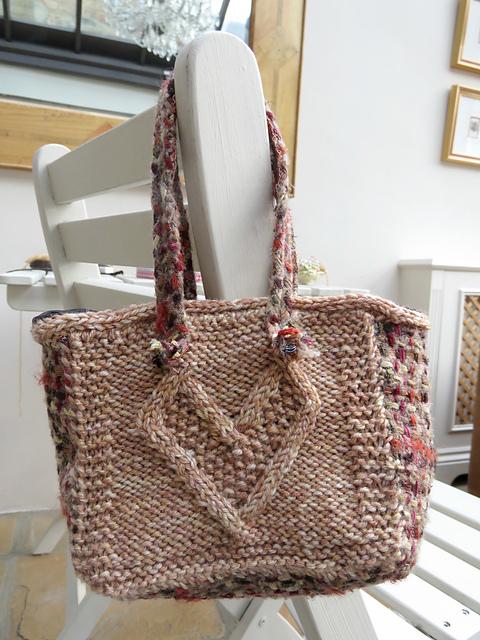 Knitting Yarn Bag Pattern : Knitting Patterns Galore - Heart Yarn Bag