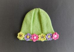 Lomond Girl's Hat with Flowers
