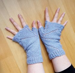 Bat Mitts