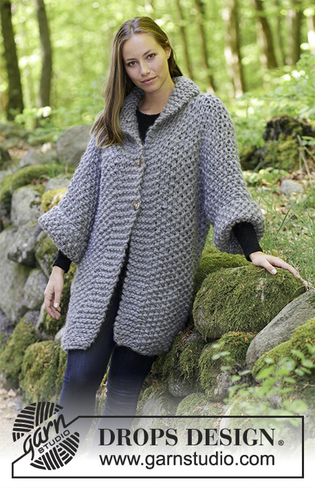 cfef96de7de1 This free knitting pattern uses super bulky-weight yarn. Pattern attributes  and techniques include  Long Sleeve