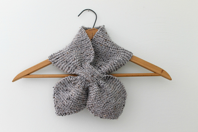 Knitting Patterns Galore - Bow Tie Keyhole Scarf
