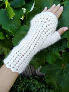 French Rhubarb Fingerless Mittens