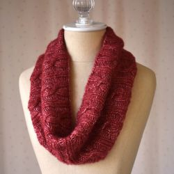 Universal Yarn Swivel Cowl