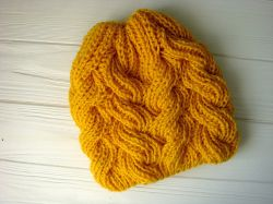 Sunnyside Cable Hat