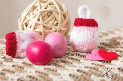EOS Lip Balm Holder Knit