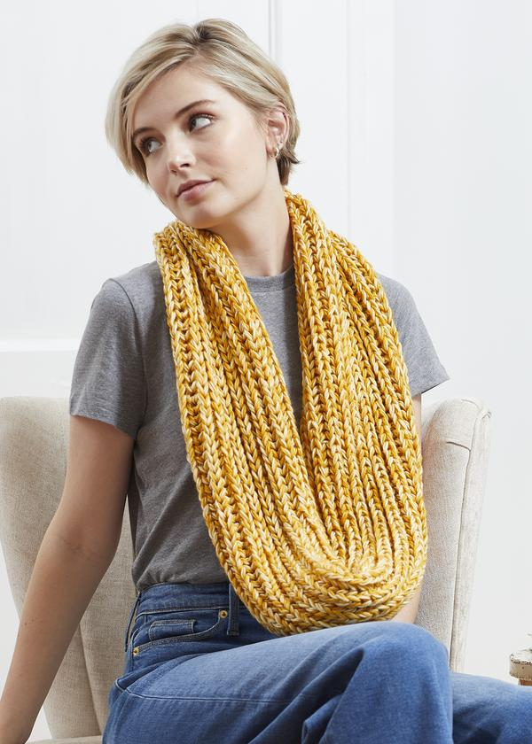 Knitting Patterns Galore - Chunky Infinity Scarf