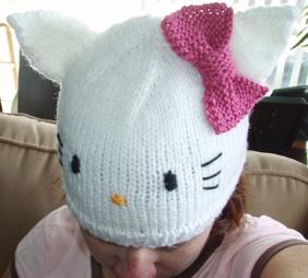 Hello Kitty Baby Hat Knitting Pattern : Knitting Patterns Galore - Hello Kitty Hat