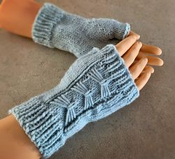 Fingerless Arm Warmers or Mitts – with Bows