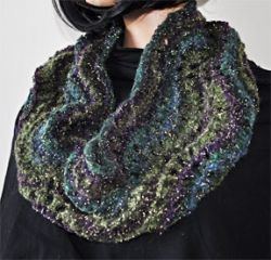 Fan Stitch Cowl