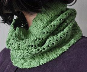 Free Knitting Pattern For Eyelet Cowl : Knitting Patterns Galore - Eyelet Vines Cowl