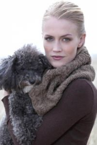 BRIDGEHAMPTON Cabled Cowl
