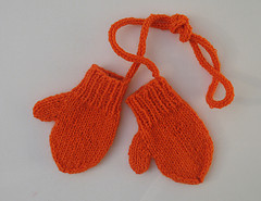 Knitting Patterns Galore - Toddler Mittens on a String