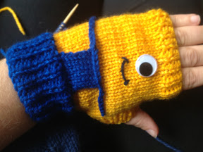 Knitting Patterns Galore - Despicable Me Minion Fingerless Gloves