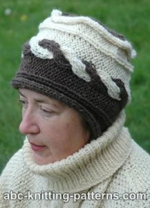 Two-Color Hat with Cable