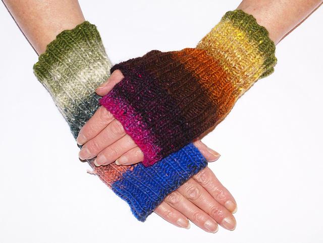 Knitting Patterns Galore - Cat Mitts