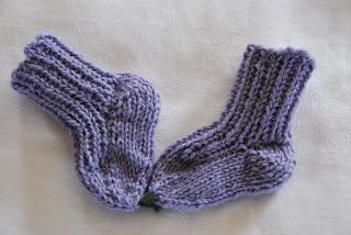 Knitting Patterns Galore Ribbed Far Away Baby Socks