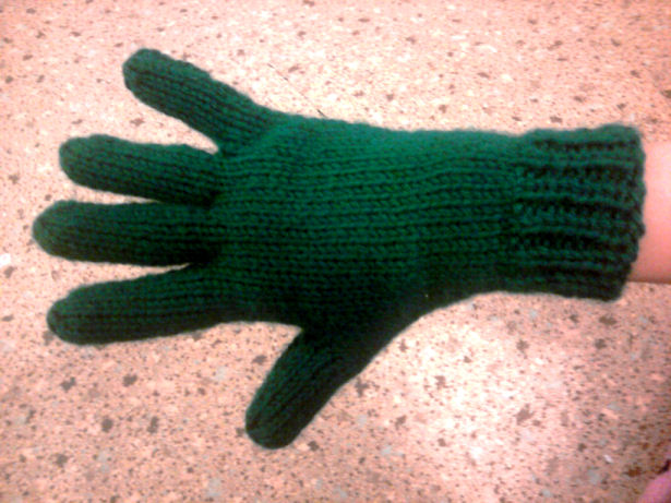 Knitting Pattern For Gloves On Four Needles : Knitting Patterns Galore - Bryannas Two Needle Gloves