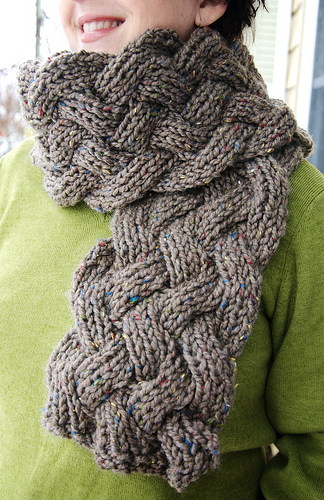 Knit Scarf Pattern With Bulky Yarn : Knitting Patterns Galore - Lamar Scarf