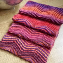 Chevrons All Round Cowl