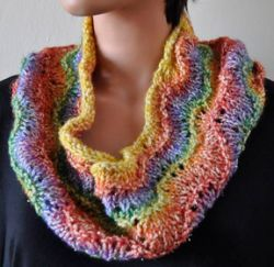 Easy Peacock Cowl