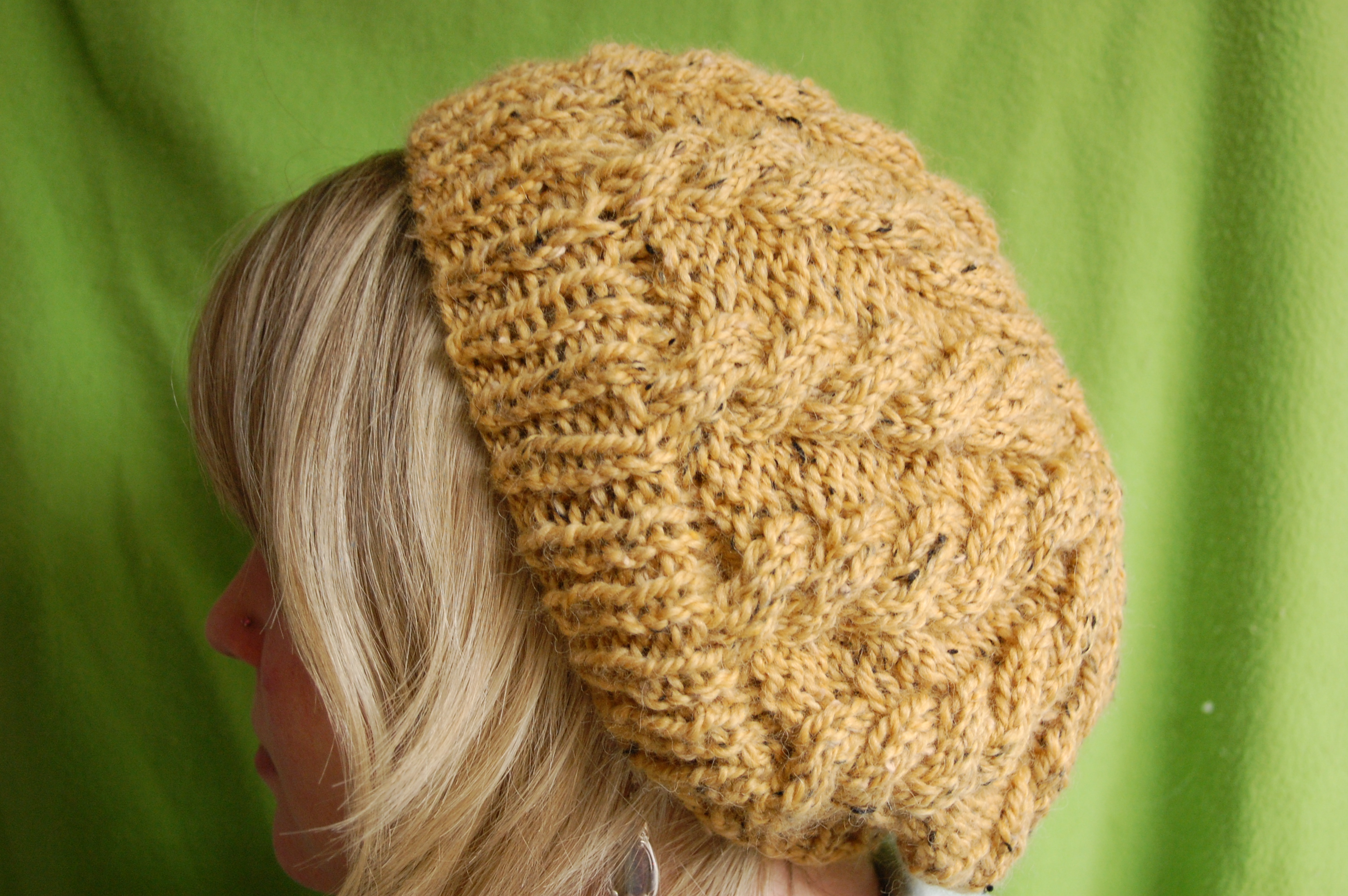 Slouchy Cable Knit Hat Pattern : Knitting Patterns Galore - Lemon Curd Slouch