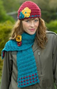 Garden Lattice Scarf Hat & Brooch Set
