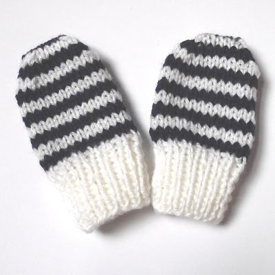 Knitting Patterns Galore - Baby Mittens, Newborn Size