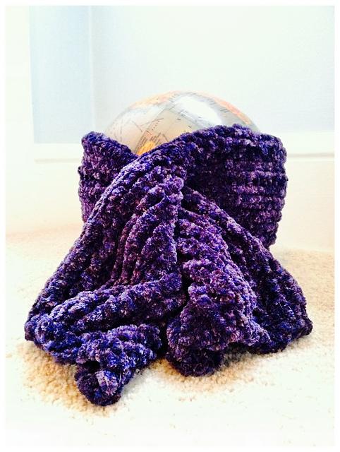 Knitting Pattern Super Chunky Scarf : Knitting Patterns Galore - Super Chunky Keyhole Scarf