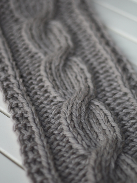 Knitting Patterns Galore - Big Cable Scarf